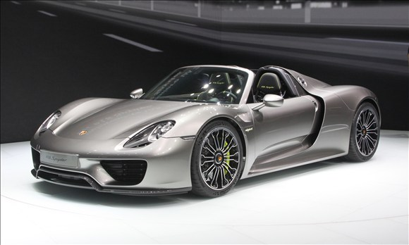 887hp porsche 918 spyder laps nurburgring in 6 57 secs breaks record speed. Black Bedroom Furniture Sets. Home Design Ideas